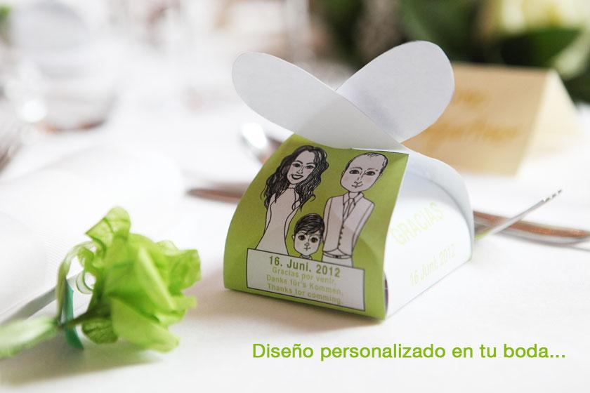 cajas y flores pequeñas con detalle dentro para los invitados